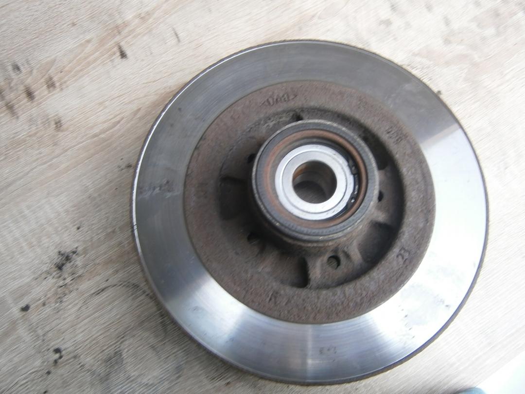 Bremsbeläge und Bremsscheiben hinten wechseln G2 -